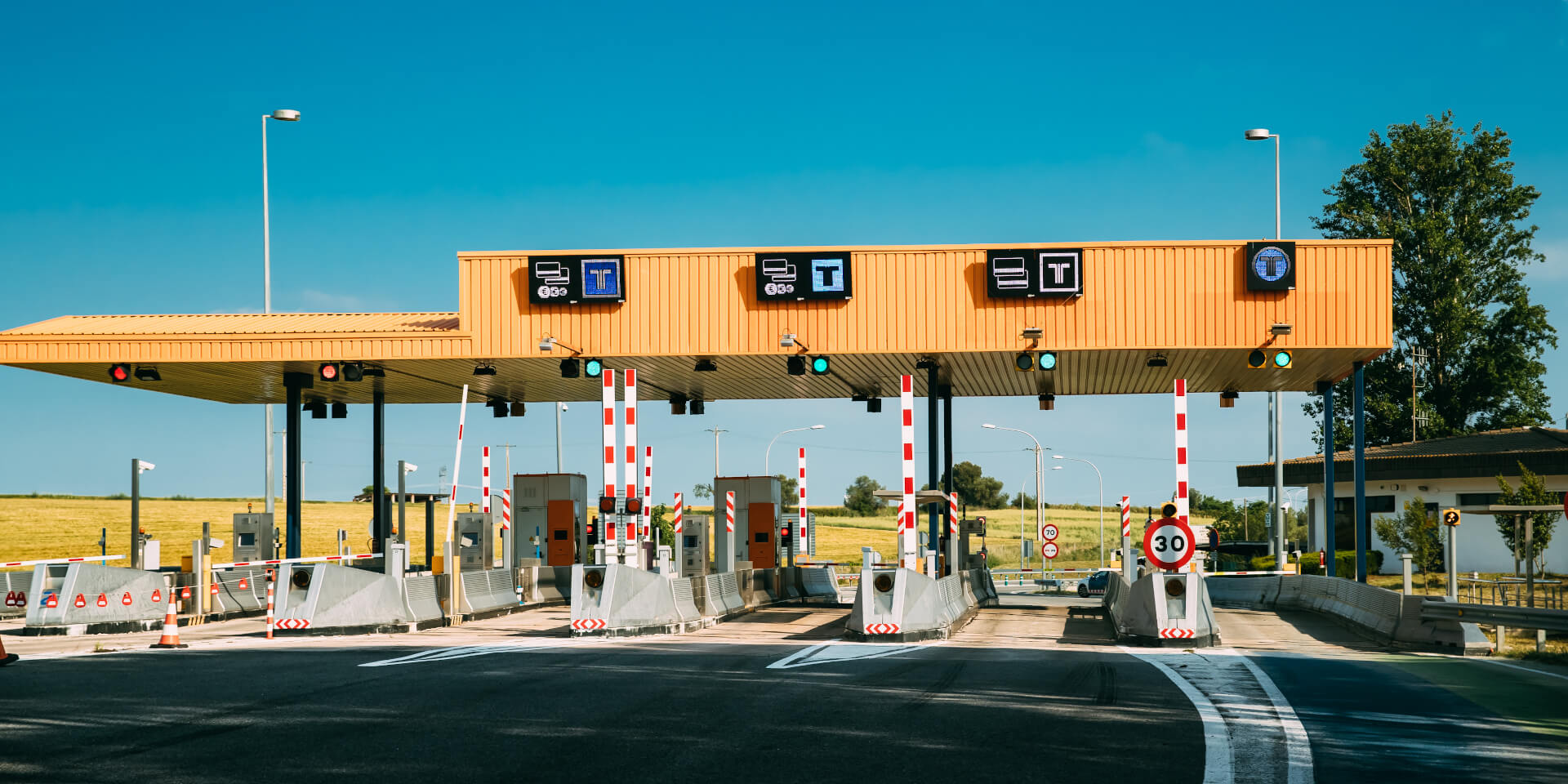 Intents Mobi News-Truckers body seeks suspension of toll collection on National Highways